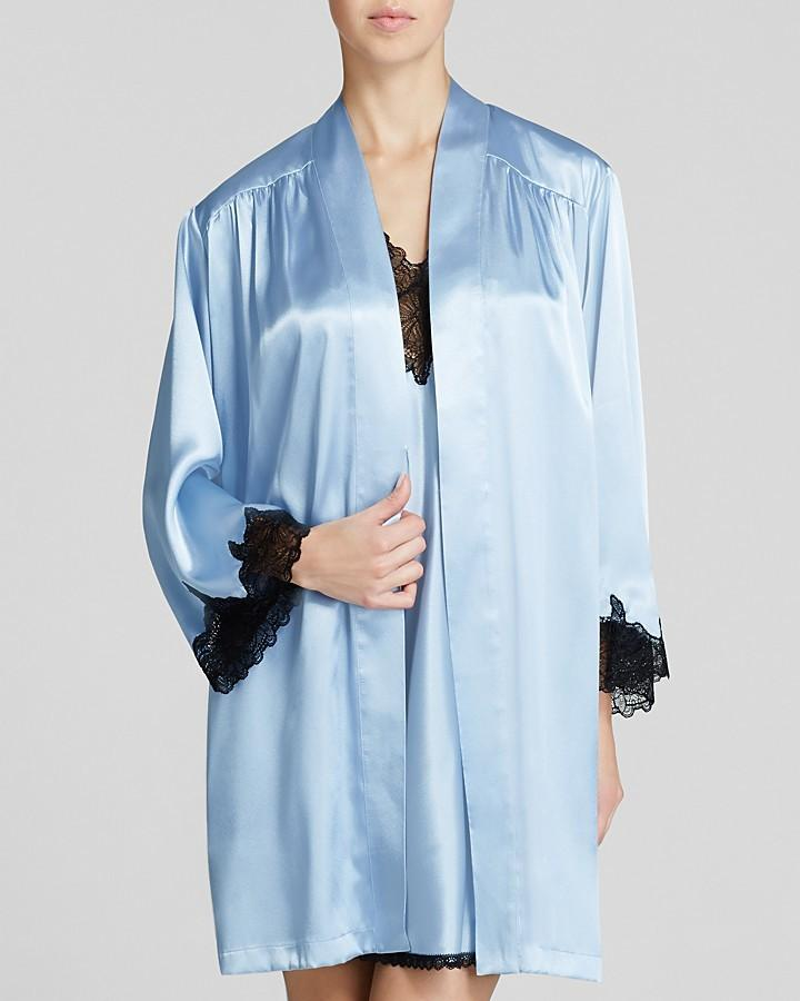 Wedding - Oscar de la Renta Pink Label A Hint Of Romance Wrap Robe