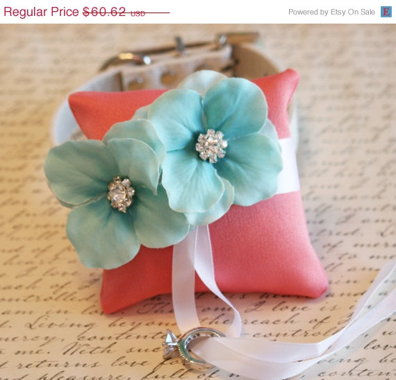Mariage - Coral and Aqua Ring Pillow, Dog Ring Bearer, Pillow attach to white Leather Collar, Aqua and coral wedding, beach wedding, dog lovers