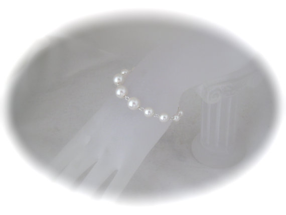 Mariage - Pearl Bridal Bracelet Wedding Jewelry White Pearl Bracelet Swarovski pearl jewelry