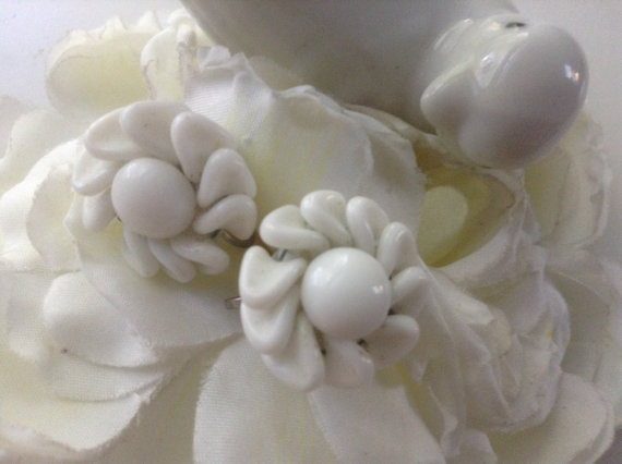 Wedding - Vintage Milk Glass Swirl Petal Earrings 60s Screwbacks Floral Hand Wired White Bridal Bouquet Garden Bride Wedding Cottage Chic Mother's Day