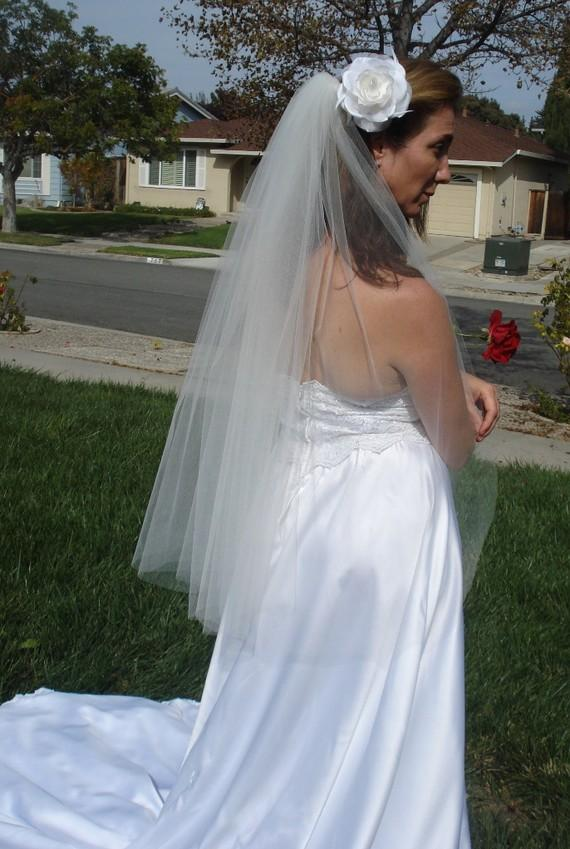 Mariage - Fingertip Length One Tier Wedding Veil with Clean Cut Edge  Light Ivory, or White; READY TO SHIP in 3-5 Days