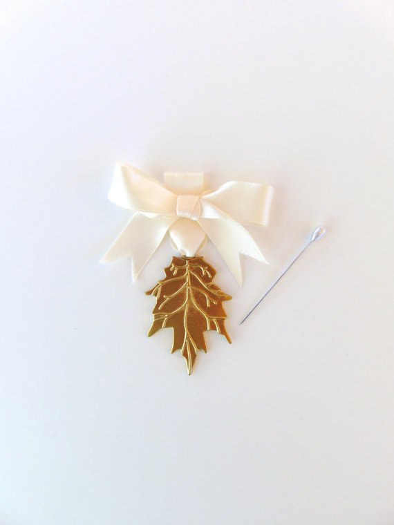 Свадьба - Gold Leaf Bouquet Charm, Wedding Keepsake, Bridal Accesory, Bouquet Charm, Gold Leaf Charm, Rustic Wedding, Woodland Wedding, Gold Leaf