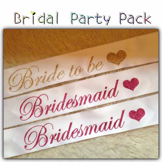 Свадьба - SET of 5 STUNNING high quality CUSTOM glitter sashes for brides to be, bridesmaids. Perfect gift for hens night, bridal shower or birthdays.