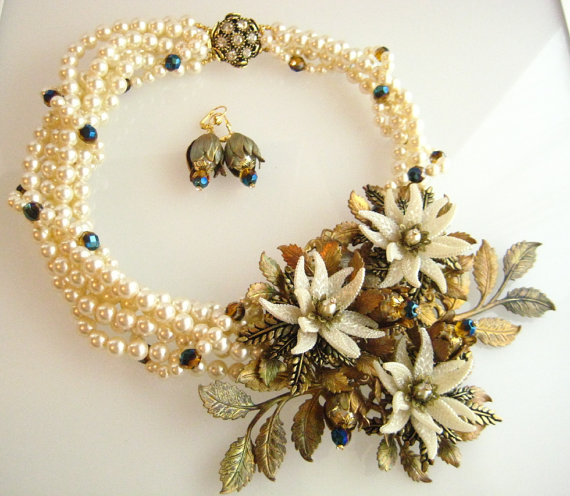 Mariage - Runway OOAK Flower Dramatic Statement Necklace, Wedding Jewelry Bridal Jewelry zoeJaneJewels Fantasy Flower Collection FREE Shipping