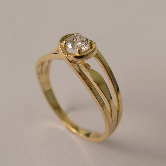 Wedding - Celtic Engagement Ring - 18K Gold and Diamond engagement ring,diamond ring, engagement ring, celtic ring, stackable ring, solitaire ring
