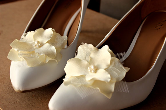 Hochzeit - Sale 25% off Shoe clips Wedding Bridal Lace Veil  Ivory pearls rhinestones prom Bridesmaids