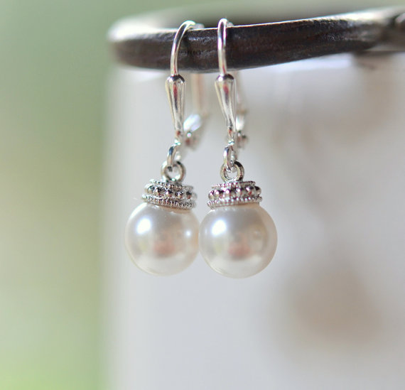 Hochzeit - Swarovski Pearl Drop Earrings. Simple Pearl Earrings.  Pearl Bridal Earrings.  Jewelry Gift for Her.  .