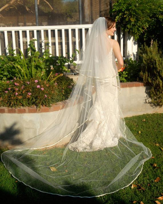 SAMPLE SALE - Ready To Ship - Off White Full Cathedral Wedding Veil ...