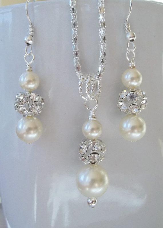 Свадьба - Ivory Bridesmaid Jewelry Set, Cream Pearl Necklace & Earrings Set,Bridal Set,Swarovski Ivory Pearls,Bridesmaid Earrings And Necklace Set