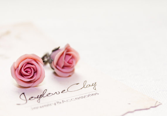 Mariage - polymer clay mini rose earrings, cocktail earrings, wedding jewelry
