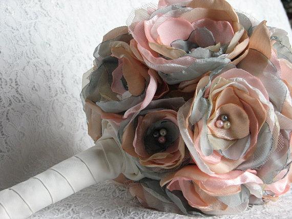 Mariage - Bridal bouquet Peach pink bridal flowers Bridal pastel flowers Pale pink bridal bouquet Gray bouquet Wedding bouquet Bridesmaids bouquets