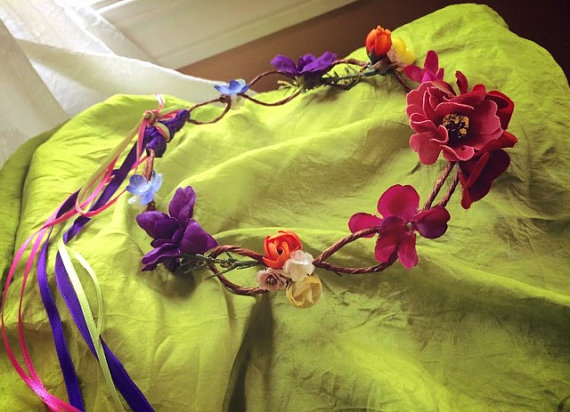 زفاف - Rainbow Flower Crown for bride, flower girl, fairy, or pixie. Rainbow mix flowers, natural twig wire, satin ribbon