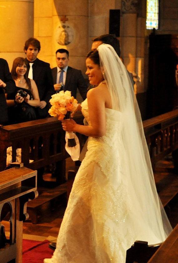 Свадьба - Traditional Wedding Veil, Long Bridal Veil in White, diamond white, ivory and more