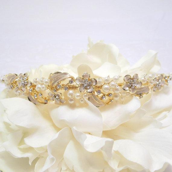 Mariage - Gold Wedding headband, Bridal headpiece, Bridal headband, Light Gold headpiece, Leaf flower headpiece, Vintage style headband, Bridal tiara