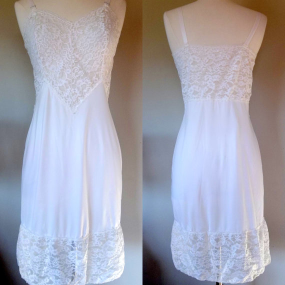 Свадьба - 1950's white nylon and lace slip, size medium, white negligee night gown lingerie