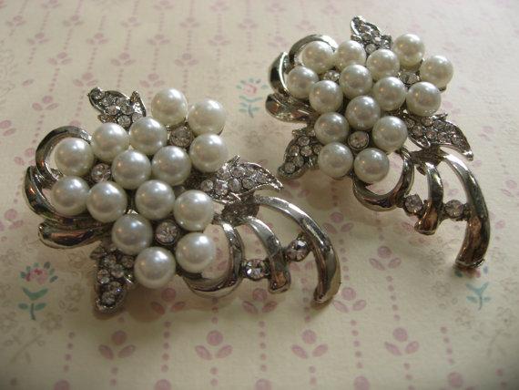 Свадьба - Crystal shoe clips, rhinestone shoe clips, wedding bridal shoe clips, shoes decoration, pearl shoe clips, dance shoe clips