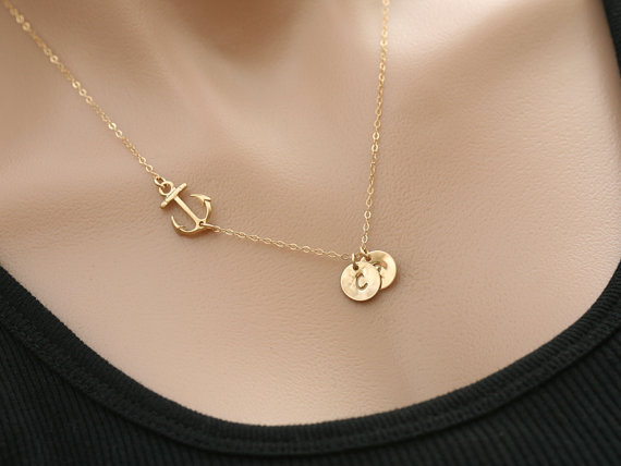 Mariage - 24k Gold vermail Anchor Necklace,sideways Anchor,Personalized initial,Sailors Anchor,Wedding Jewelry,Bridesmaid gifts,daily Jewelry,strength