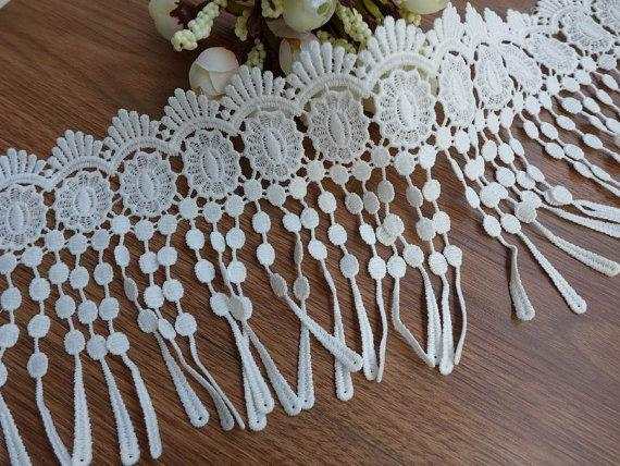 Mariage - white fringe lace teardrop lace scalloped lace trim for flappers, bridal, lace scarf