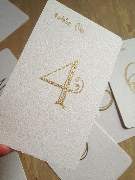 زفاف - Wedding Table Numbers Handwritten Calligraphy Flat Cards - Gold Metallic ink