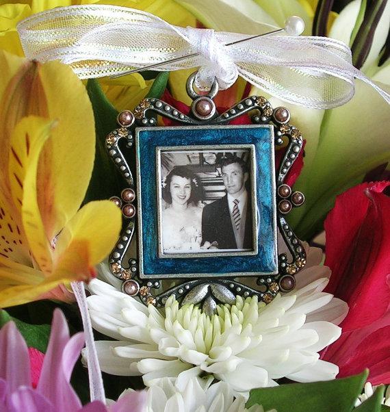 Свадьба - Bridal Bouquet Photo Memory charm Keepsake Vintage style Wedding Memorial Gift Bridal gift