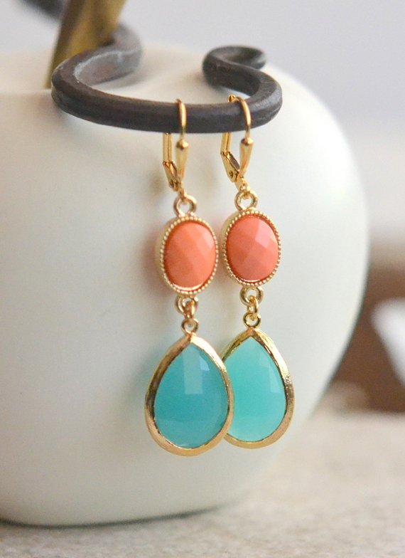 Mariage - Turquoise Teardrop and Bright Coral Dangle Earrings in Gold.  Bridesmaids Earrings. Drop Earrings. Turquoise Jewelry. Wedding Earrings Gift.