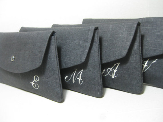 Свадьба - Bridesmaid Clutches/Bridesmaid Gift/Wedding/  Linen Clutch with Monogram, Sets of 4,6,7,8 / Angled Envelope Clutch, Purchase 8 Get 1 FREE