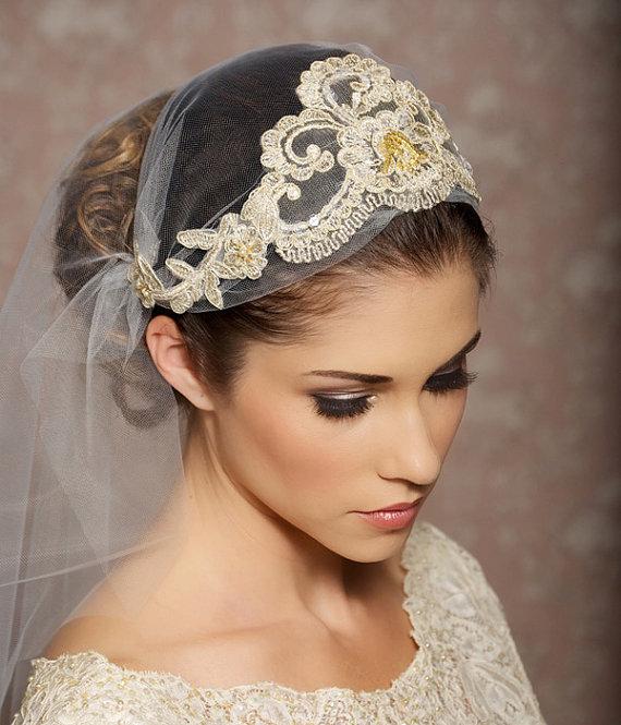 Mariage - Juliet Cap Veil Gold Lace Veil Lace Bridal Cap Tulle Veil Juliet Veil Floral Art Deco Veil - Made to Order - ODETTE