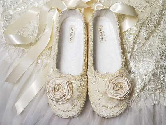 Свадьба - Victoria Bridal Ballet Flat, Wedding Shoes, Vintage Lace, Swarovski Crystals,  Pearls, Custom Made Women's Bridal Shoes