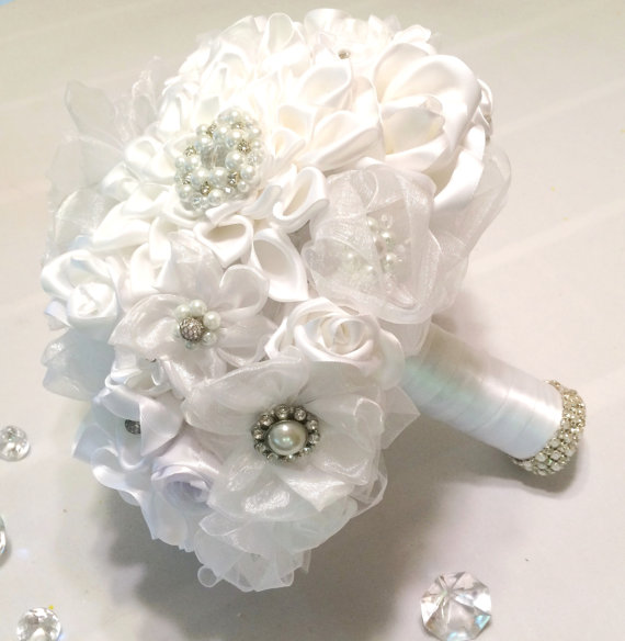 Hochzeit - White pearl and rhinestone brooches and handmade satin ribbon bouquet, White pearl and rhinestone brooch bouquet, White fabric bouquet