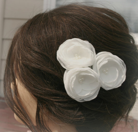 Wedding - Ivory Flower Hair Clips For Wedding, Bridal Veil, Wedding Hair Accessory, Hair Piece Or Flower Hair Pins, Cream Flower Headpiece, Fascinator