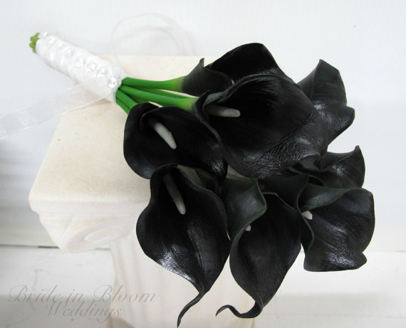Mariage - Calla lily Wedding bouquet black real touch Bridesmaid bouquets