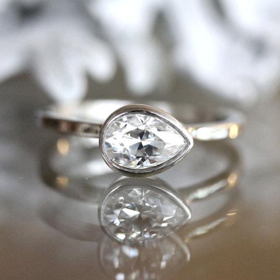 زفاف - 7x5mm Forever Brilliant Moissanite 14K Gold Engagement Ring, Stacking Ring, Pear Shape Moissanite Ring, Eco Friendly - Made To Order