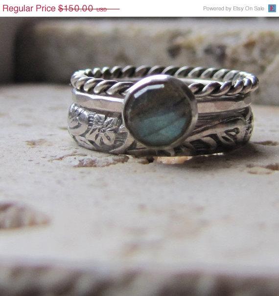 Mariage - SAVE 20% NOW Handmade Labradorite Engagement Ring Set
