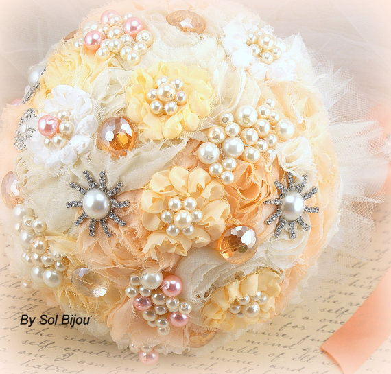 Mariage - Brooch Bouquet, Pearl Jeweled Bouquet, Wedding Pearl Bouquet in Ivory, Cream, Peach and Tangerine with pearls- Heavenly