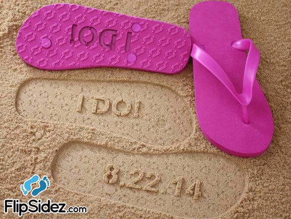 Свадьба - I DO Wedding Date Flip Flops *Check size chart before ordering*