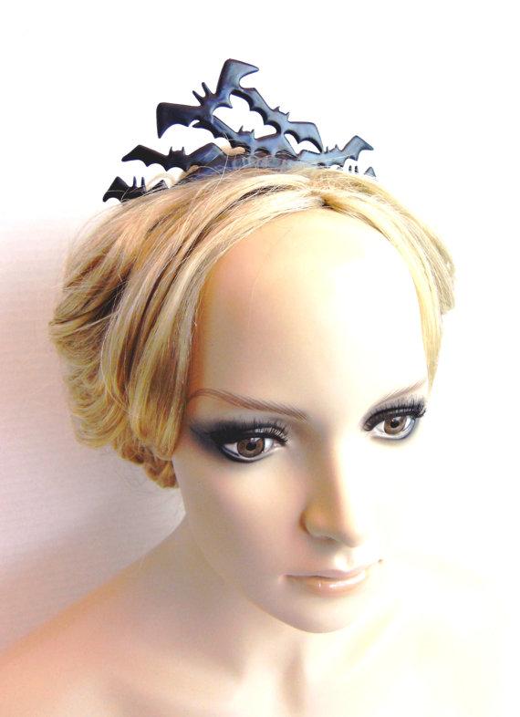 زفاف - Flying Bat Tiara Goth gothic vampire inspired Black Distressed hair ornament perfect for the noir bride-Dark fluttering minions of the night