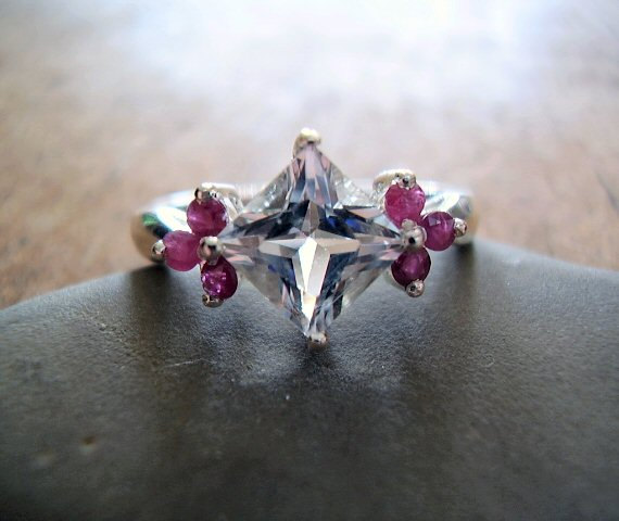 Mariage - Alicia - Genuine White Topaz & Ruby - Alternative Engagement - Unusual Unique Wedding Ring