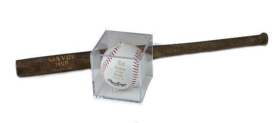 "زفاف - Groomsmen Gift - Rawlings Baseball With Acrylic Case & Mini 18"" Baseball Bat Set - Jr. Groomsmen Gift - Ring Bearer Gift - FREE ENGRAVING"