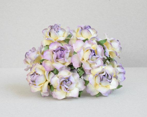 زفاف - 30 mm / 10 mixed  yellow and purple   paper  roses  For Crafts ,Scrapbooking ,Cardmaking , Embellishment