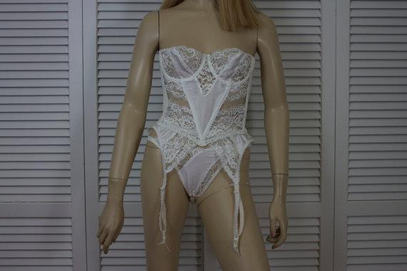 Свадьба - Vintage Christian Dior 3 Piece Lingerie Set White Satin and Lace