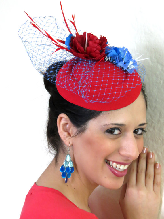 Mariage - Ready to ship today! Fascinator red blue veil wedding hat WINTERLICIOUS RED