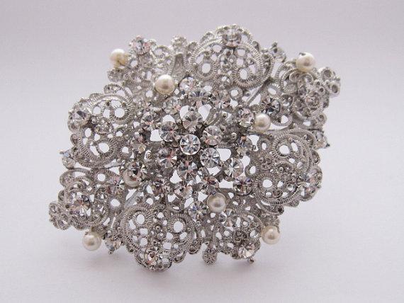 Mariage - Bridal pearl brooch,wedding hair comb,bridal accessories,Vintage Inspired Rhinestone and Pearl Wedding Brooch,crystal, Wedding Pendant