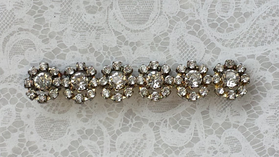 Mariage - Vtg Rhinestone Bar Pin~Row of 6 Sparkly Rhinestones shaped in a Flower~ Scarf Coat Pin~ Lapel or Dress Brooch~Bridal Bouquet~Wedding Jewelry