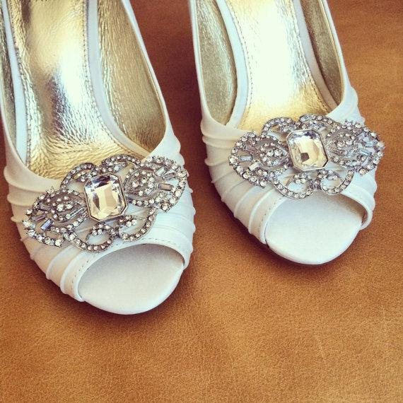Hochzeit - Rhinestone Shoe Clips - Set of 2 - BRAND NEW
