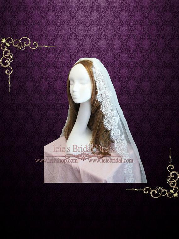 Свадьба - Fingertip Lace Wedding Veil
