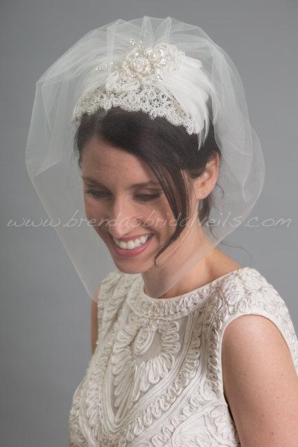 Mariage - Ivory Lace Juliet Cap with Tulle Birdcage Veil, 1920s Inspired Bridal Veil, Wedding Cap Veil