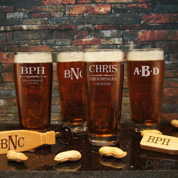 Mariage - Six (6) Personalized Pub Glasses with Engraved Groomsmen Designs and Font Selection OPTIONAL Six (6) Monogrammed Magnetic Bottle Opener