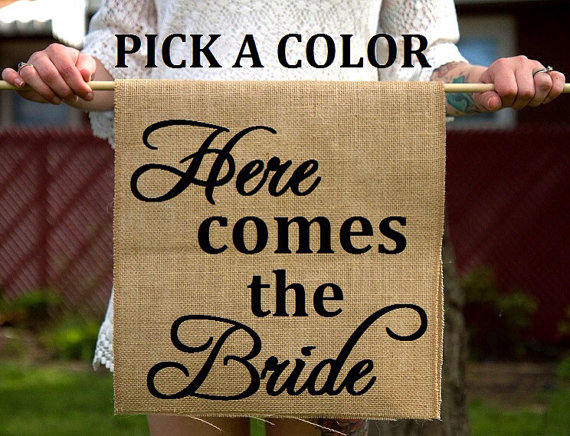 Mariage - Burlap Here Comes The Bride Ring Bearer Sign - Rustic Ceremony Banner