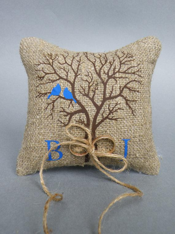 Mariage - Wedding rustic natural Burlap linen Ring Bearer Pillow Blue Birds on Brown tree and linen rope
