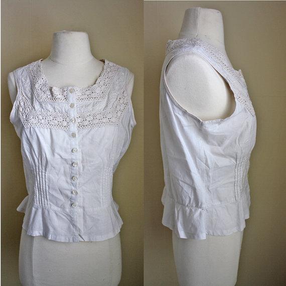 Свадьба - 1990s Crocheted Emboridered Crop Top // Womens Ivory Cream Bralette Button Down Peplum Lingerie Cropped Sleevless Tank Top // XS S M L